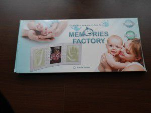 Zawartość ramki do odcisku stopy i rączki dziecka