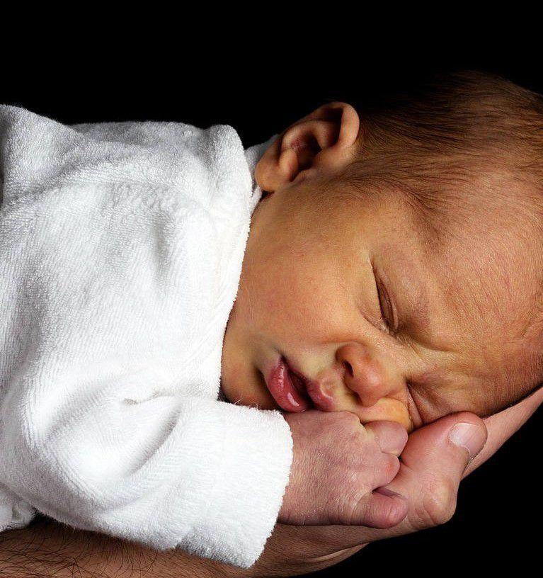 5 dni bez kupki u niemowlaka. Czy jest się czym martwić?
