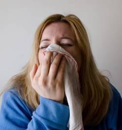 Jak nie zarazić niemowlaka przeziębieniem? | Tata z przeziębieniem!