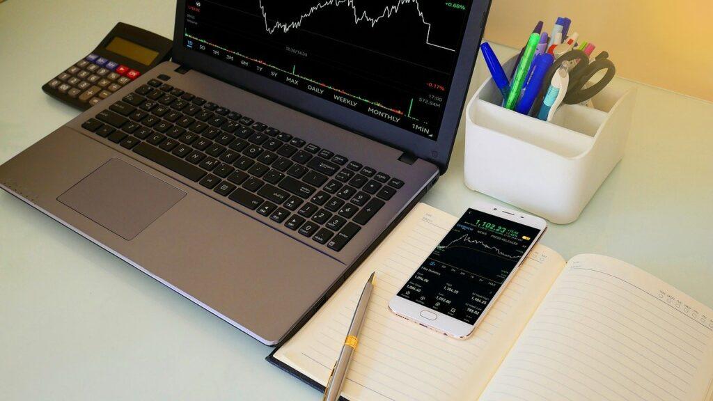 Korzystanie z kantorów internetowych jako źródło oszczędnościowe