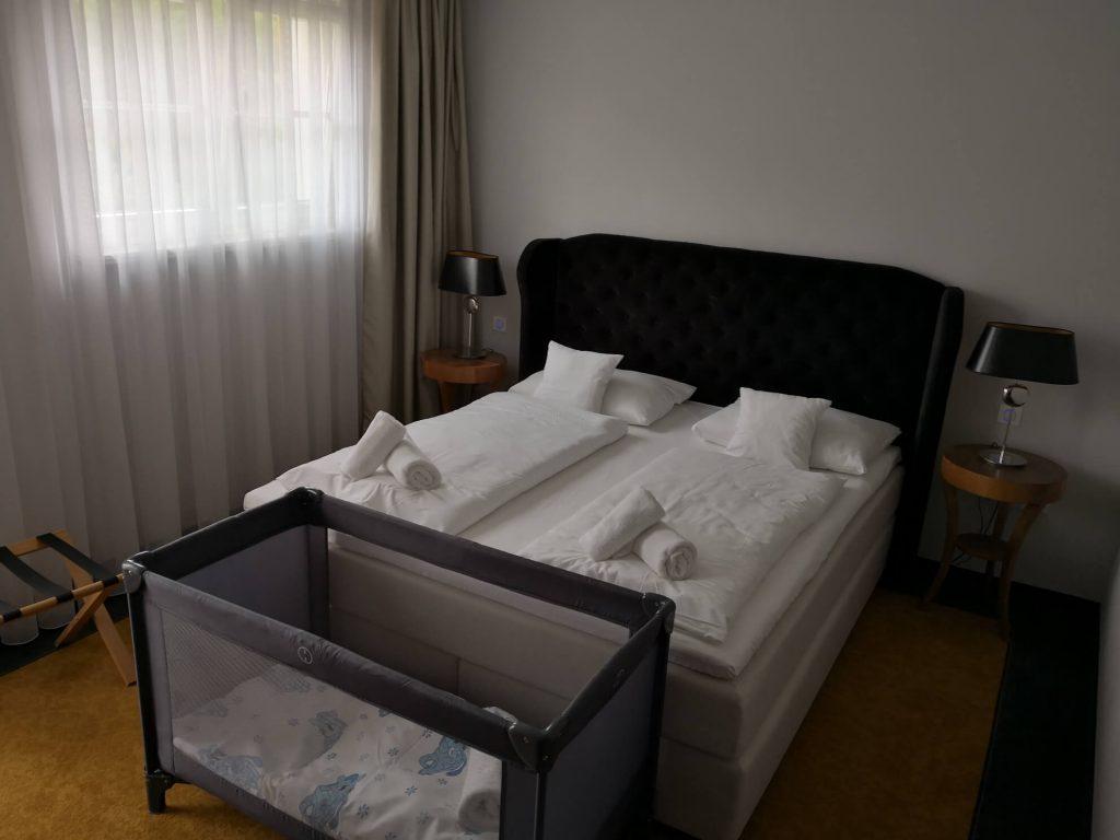 pierwszy pokoj
