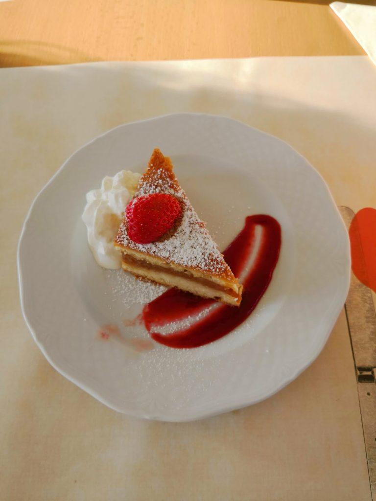 pyszny deser w restauracji