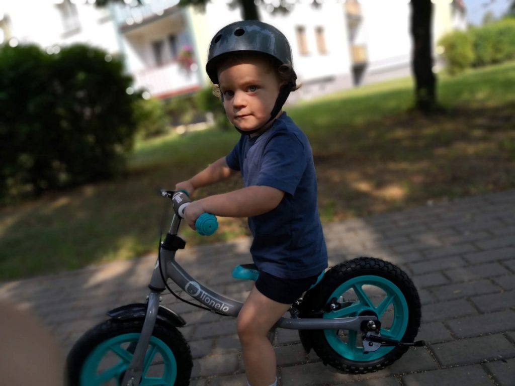uczymy sie jezdzic na rowerku biegowym