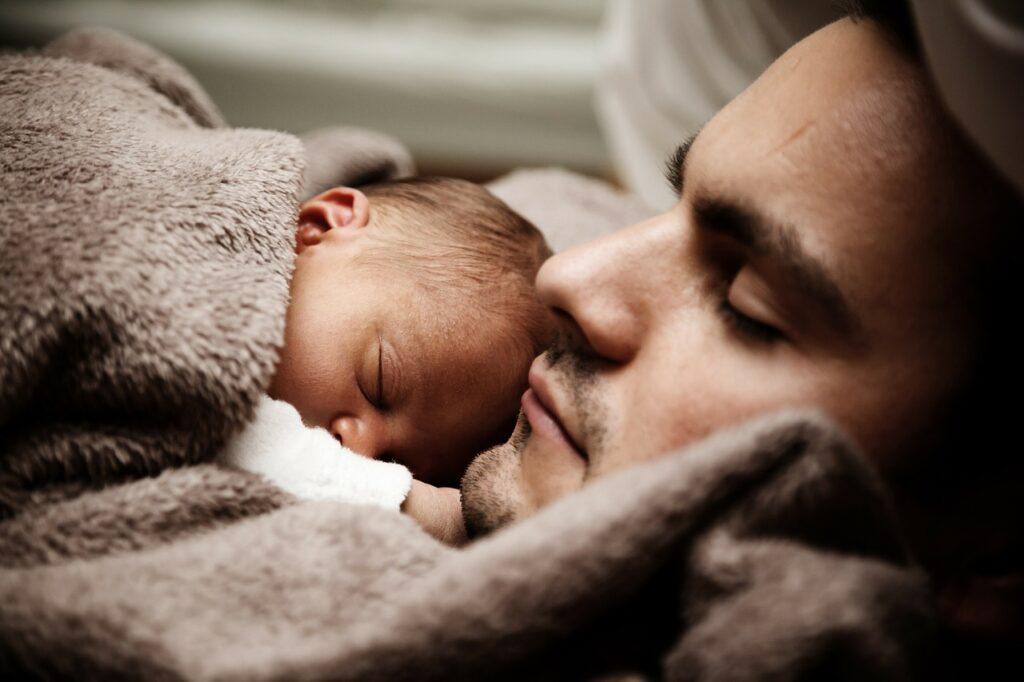 Prezent na narodziny dziecka dla rodziców